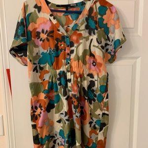Cute mid length Mac and Jac dress